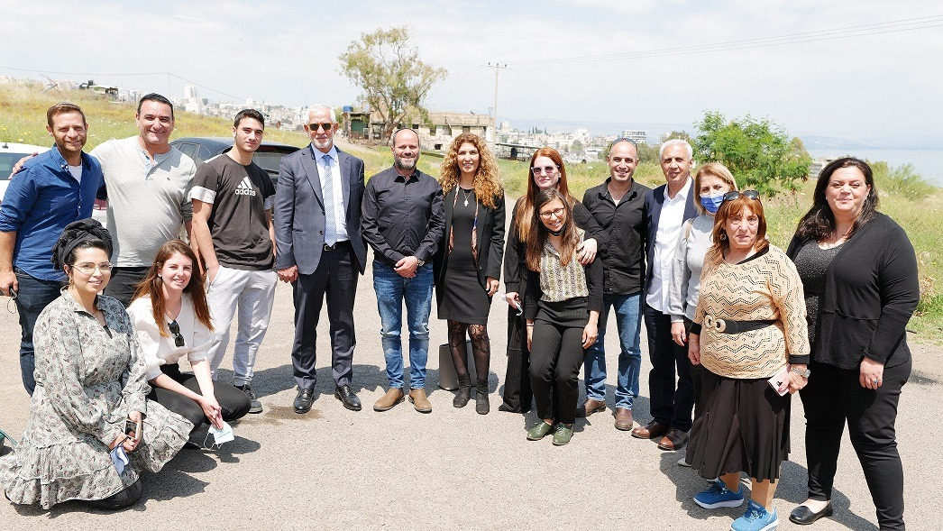 """The """"Day After Coalition"""" project in Tiberius: The Menomadin Team and Coalition members with Shikun Alef residents and the municipality welfare team."""
